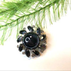 Vintage black round rhinestone brooch pin